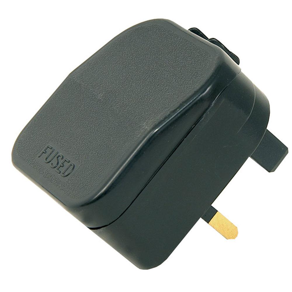 European to UK plug adaptor - BLACK