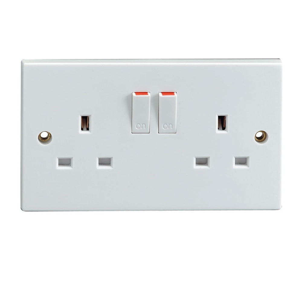White 2 Gang Switched 13 A Socket